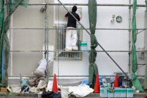 足場と外壁塗り替え