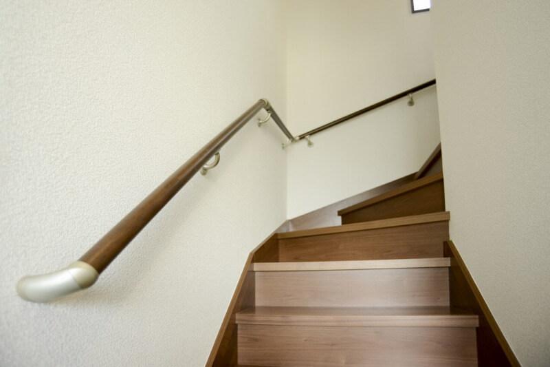 バリアフリー手すり階段